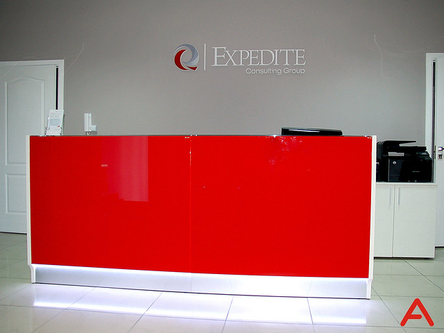 red_linea-reception_desk_2
