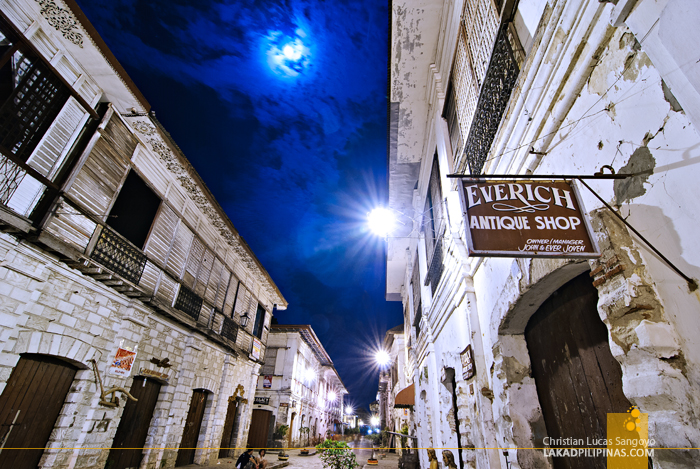 Evenings at Calle Crisologo in Vigan City