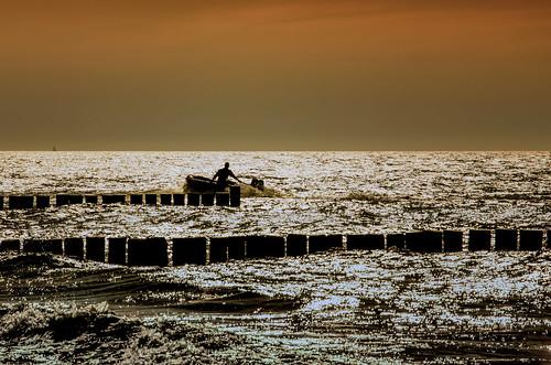 light sunset boot boat balticsea ostsee darss schlauchboot fischland mecklenburgvorpommern