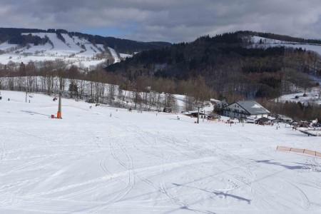 Aktuálně: kam na víkendové jarní lyžování?