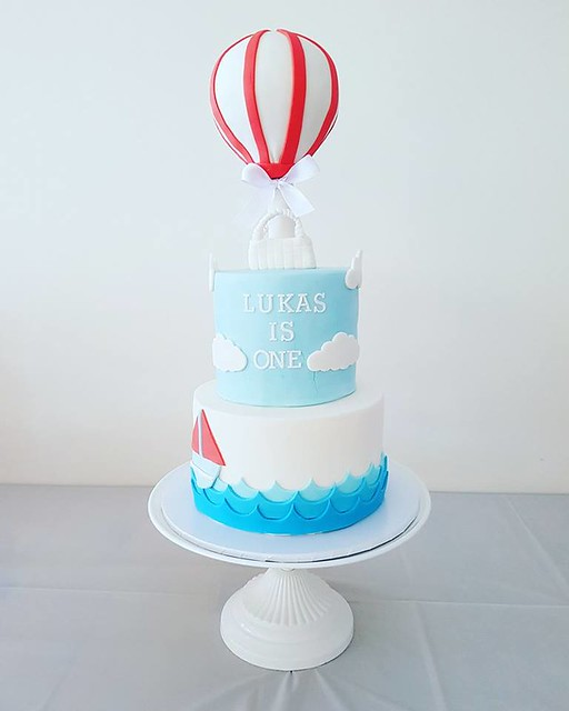 Cake by Christy Aerne of The Sweetest Thing WA