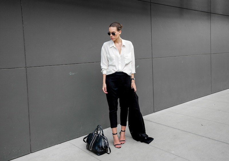 modern legacy blog kaity street style off duty minimalist man style shirt drop crotch harem Hacker pants Camilla and Marc Alexander Wang Antonia heel sandals chain Jamie tote bag Monki boyfriend blazer Asos (5 of 5)