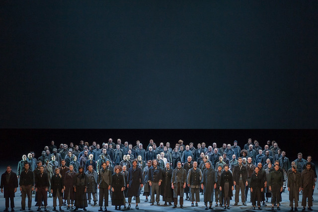The community chorus taking their curtain call for Dialogues des Carmélites © ROH/Stephen Cummiskey, 2014
