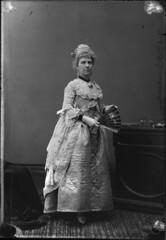 Mrs. John Courtney / Mme John Courtney