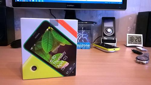 Nokia Lumia 630   kiek kainuoja didesnis ekranas?