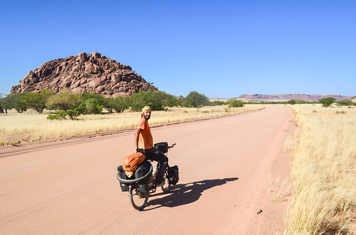 Road to Twyfelfontein