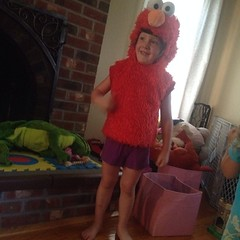 Five year old in a 2T #elmo costume. This was my morning. #sweetness #weirdo