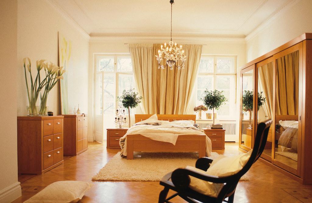 Classy White Bedroom Design With Plant Amazing White Bedroom