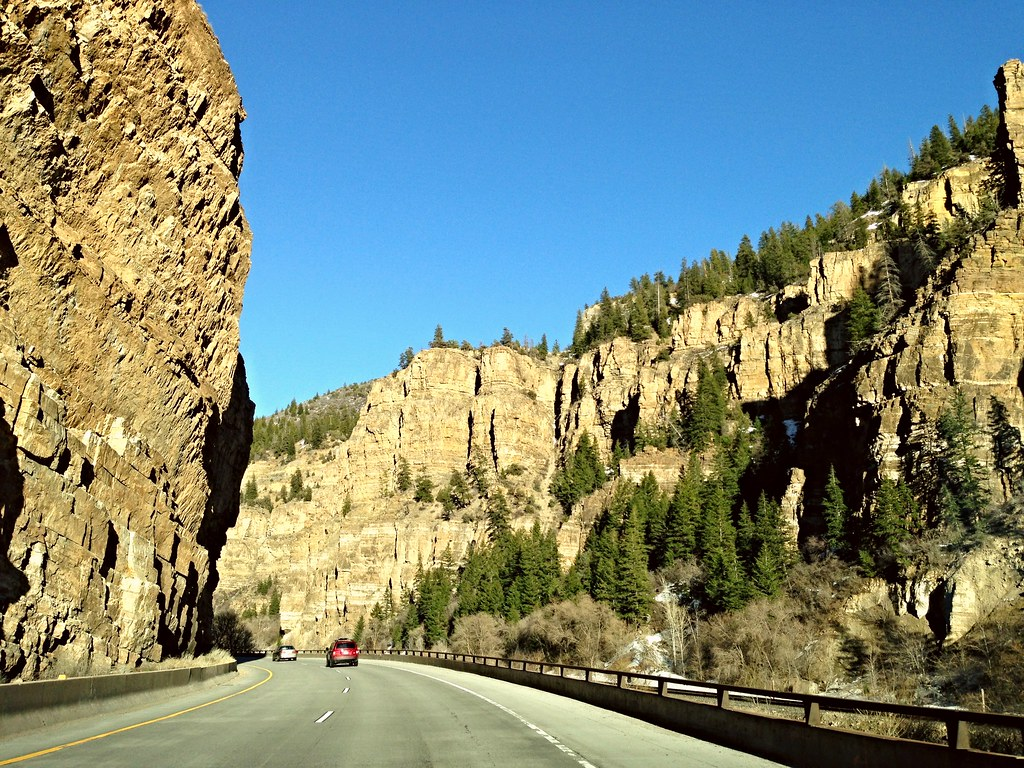 Cutting through the canyon