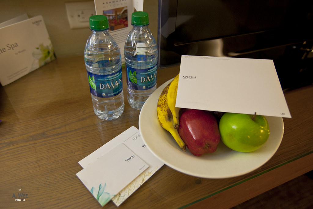 Fruit amenity and water