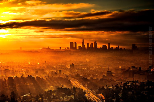 cali misty skyline sunrise losangeles traffic foggy hollywood dramaticsky beams 504 mulhollanddr photomatix hdrphotography discoverla