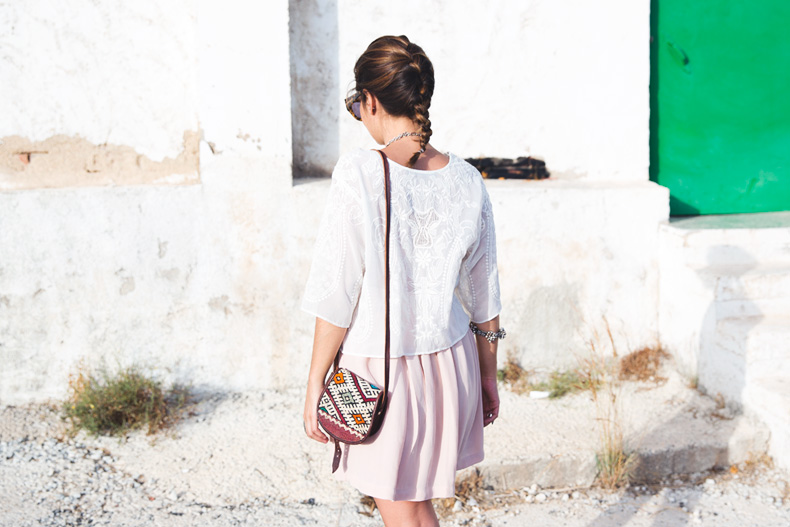 Light_Pink_Skirt-Lace_Top-Street_style-Outfit-26