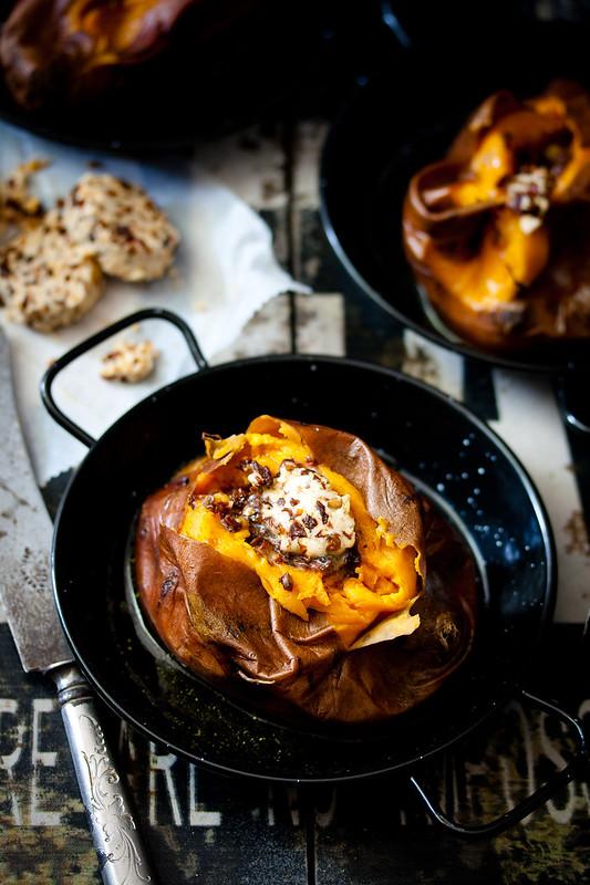 gebackene Süßkartoffeln mit Chipotle-Chili-Butter