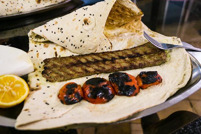 "Famous local food ""Beryuni"" in a restaurant, Isfahan イスファハンの名物料理ベルヤーニー"