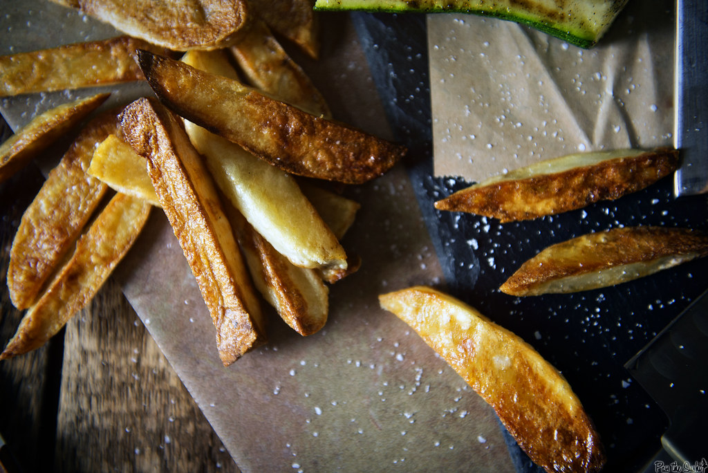 Crispy Oven Baked French Fries || PasstheSushi.com