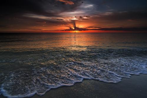 sunset sea cloud sun beach water dark unitedstates florida sunsetandsunrises absolutelystunningscapes cloudsstormssunsetssunrises