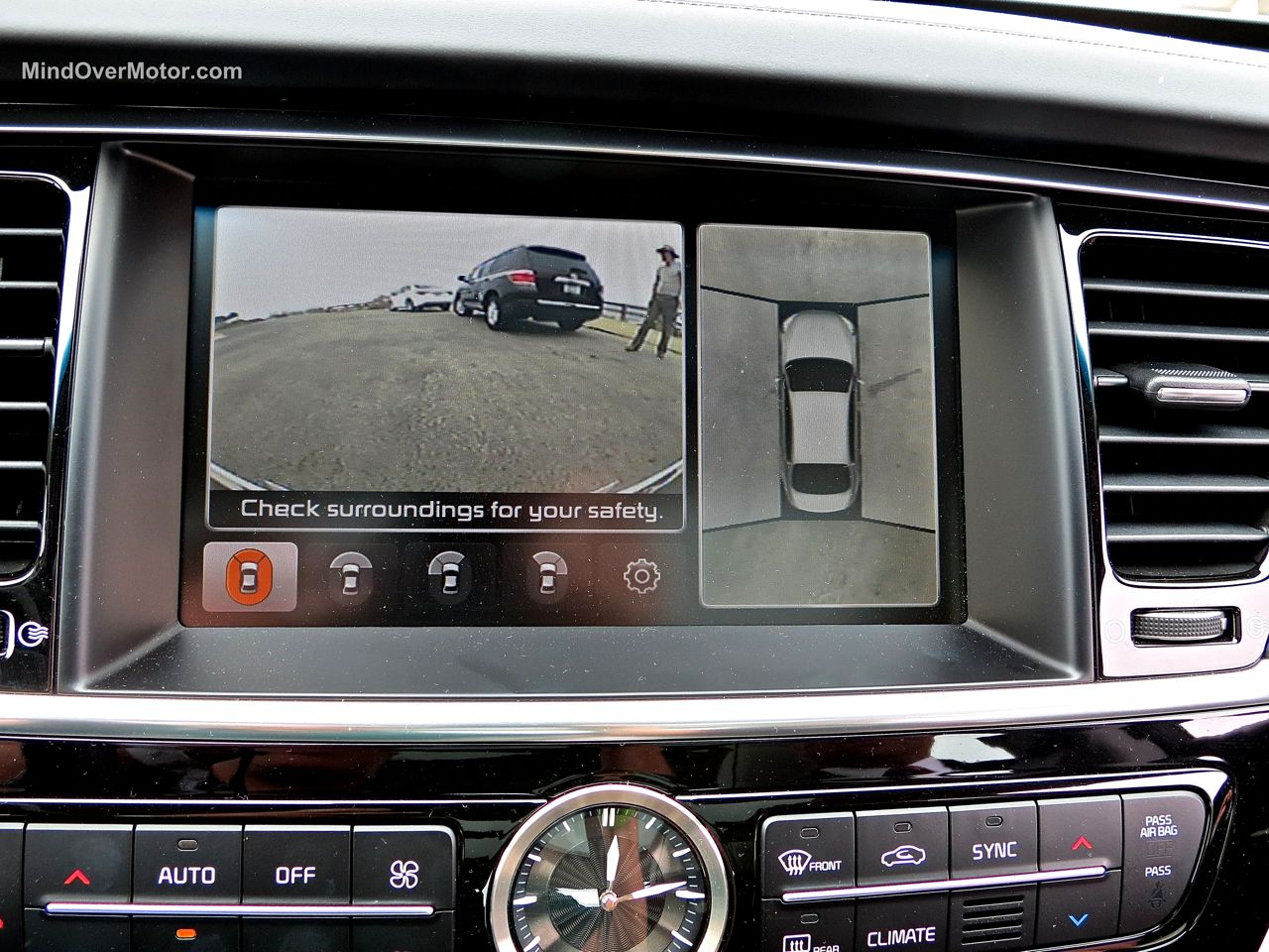 Kia K900 Surrounding Camera View