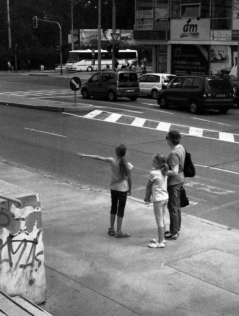 Lomo 135VS - Bus Stop Scene 5