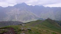 Droga powrotna ze stacji meteo do Kazbeki. Klasztor Gergeti.