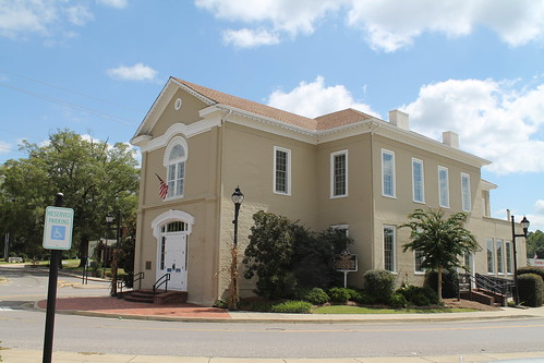 Old Courthouse II (Columbiana, Alabama)