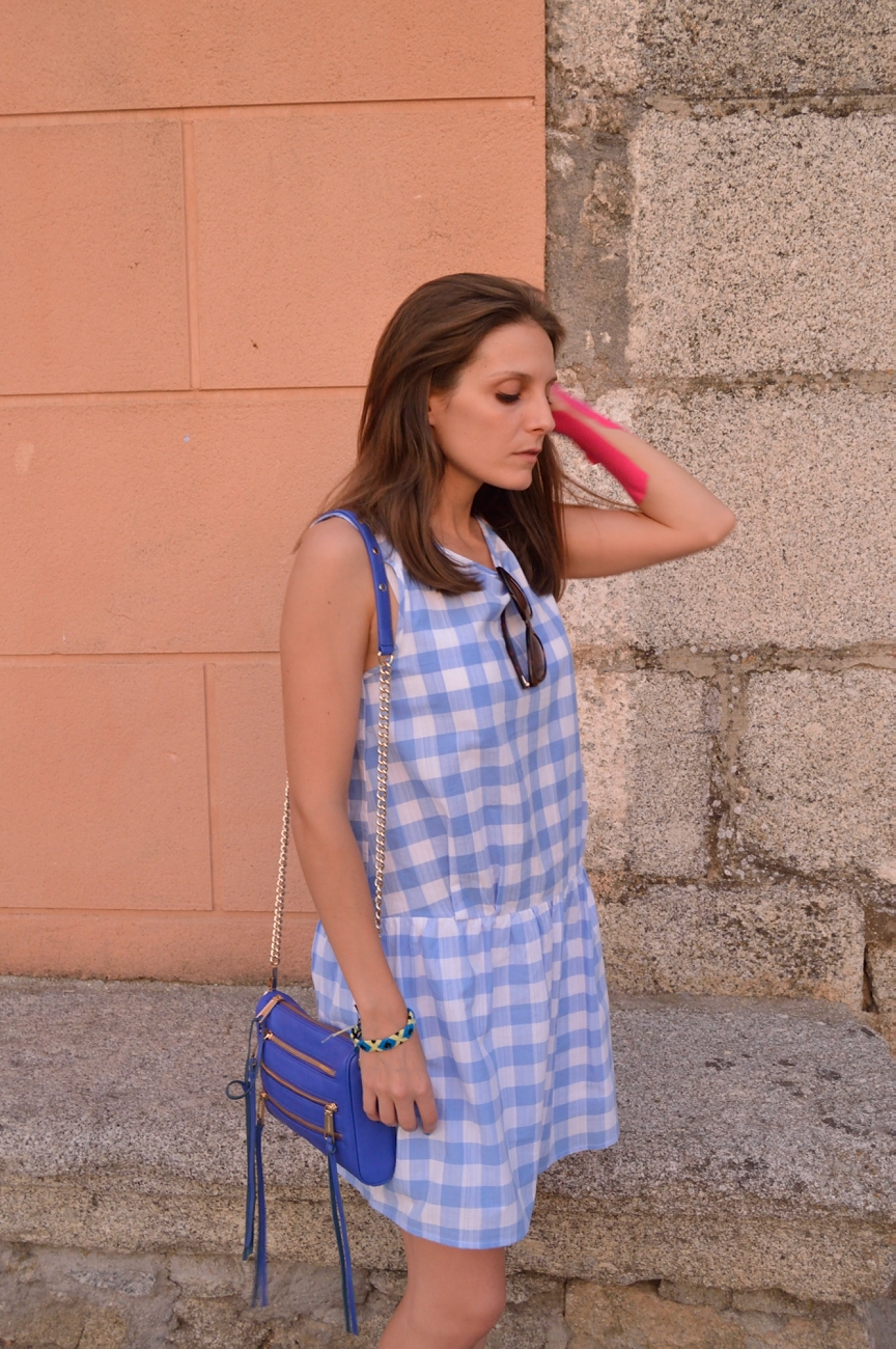 lara-vazquez-mad-lula-style-blue-goes-on