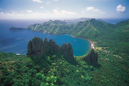 Cruising the Marquesa Islands