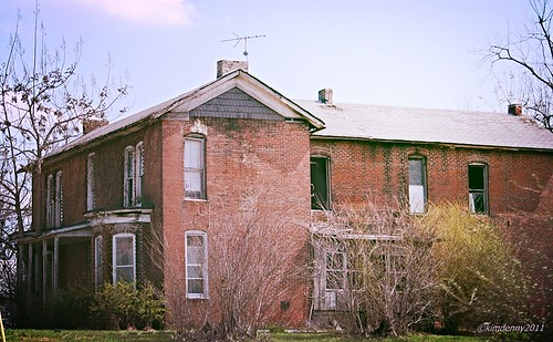 old abandoned geotagged decay kentucky historic forgotten abandonedhouse cayce takenfromthecar takenfromcar