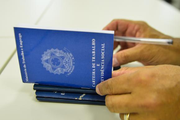 De caráter austero, reforma endurece as regras de acesso aos benefícios previdenciários  - Créditos: Marcello Casal Jr. / Agência Brasil