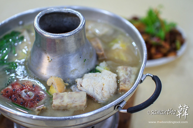 HUALONG FISHHEAD STEAMBOAT 華龍魚頭爐