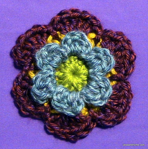 Stitchopedia-Motifs-Six-Petal-Flower-with-Center