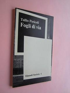 Fogli di via, di Tullio Pericoli. Einaudi 1976. Responsabilità grafica non indicata [Bruno Munari]. Dorso, copertina (part.), 2