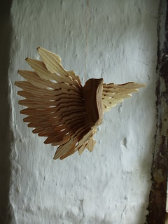 wooden fan bird decoration