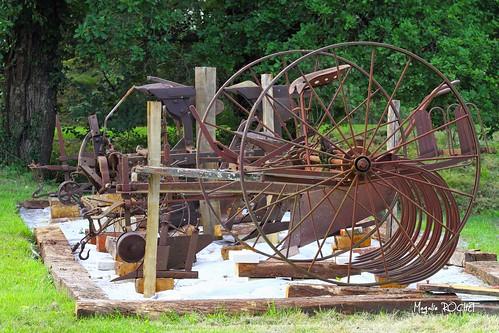 vieilles machines agricoles