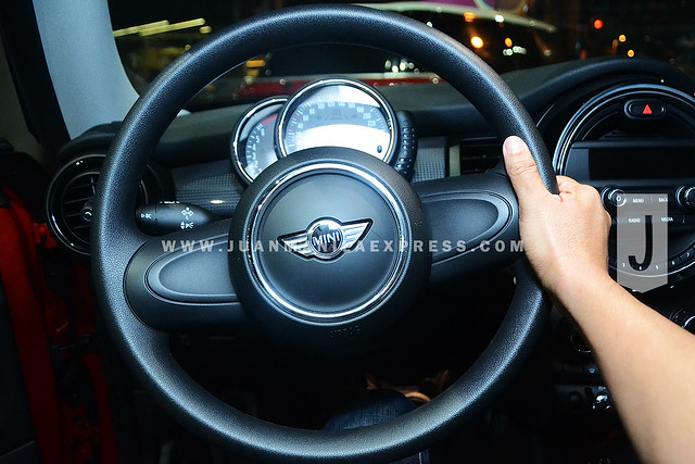 DRIVING MODE. The new MINI Driving Modes provide an excellent basis for fuel efficient or sporty motoring.