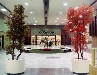 Northwood Mall on opening day - Tallahassee