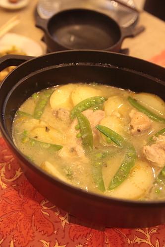 鶏肉とたっぷりじゃがいものスープ煮