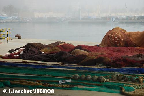 Redes de pesca en puerto