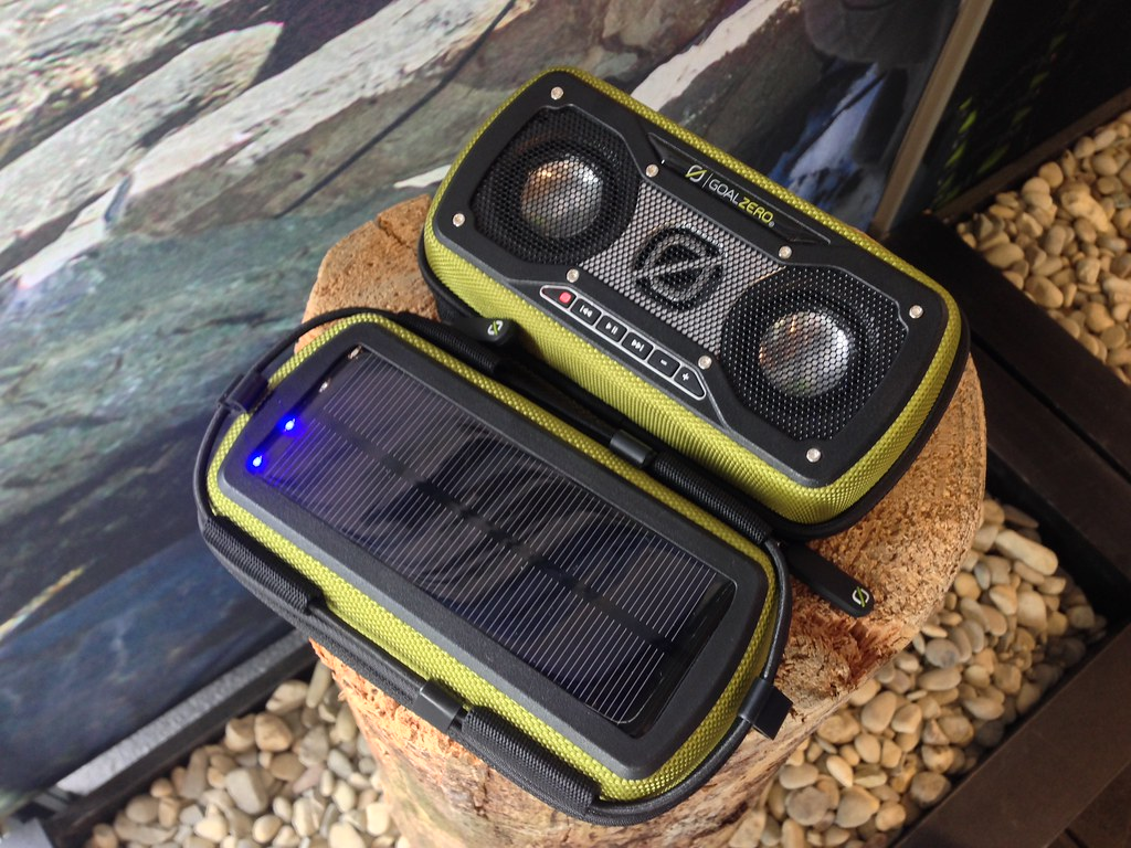 Goalzero Rock Out2 Solar Speaker
