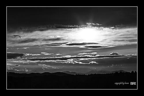 light sunset shadow blackandwhite bw cloud sun fairytale clouds canon dark landscape darkness dwarf fairy 7d l usm ef f4 1740 brane llens alamond zalar ononesoftware perfecteffects8