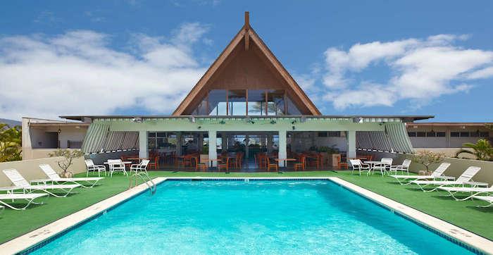 Maui_Beach_Hotel_Exterior_Pool