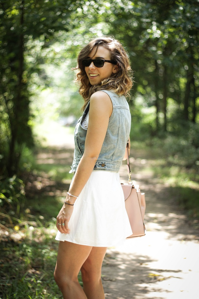 white sundress. white dress. denim vest. vest over dress. curly hair. gold sandals. dc style fashion blogger. 11
