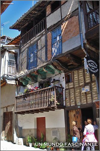 Casas tradicionales en Garganta la Olla.