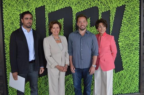 "Congresswoman Pelosi & Eshoo tour Dropbox Headquarters in China Basin and participate in a ""Droptalk"" with Dropbox staff"