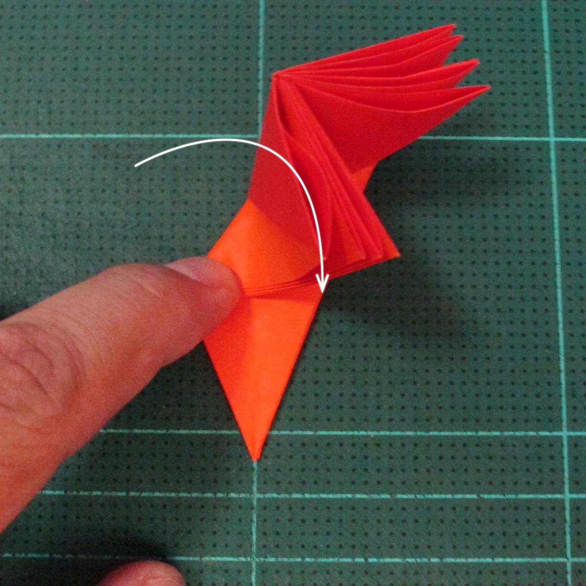 วิธีพับกระดาษเป็นช่อดอกไม้ติดอกเสื้อ (Origami Wedding Chest Flower) 015