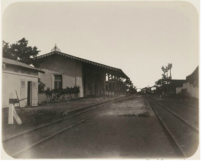 Spoorwegstation te Tegal 1890