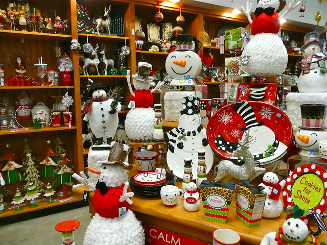 Christmas Decorations At The Grocery Store Flickr