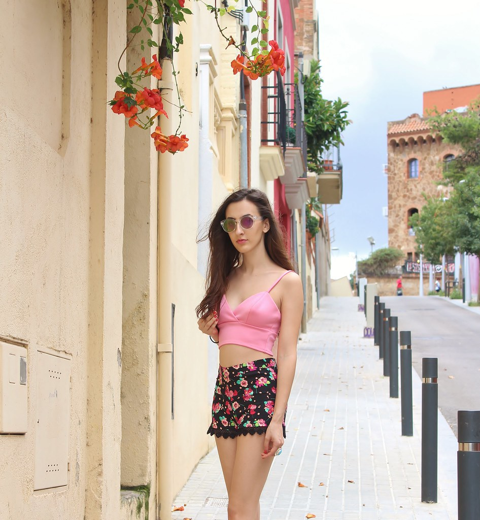 PINK FLORAL LACE OOTD