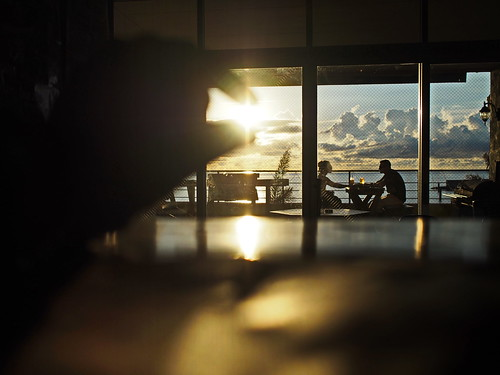 sunset sun japan funny couple perspective okinawa lover forced 沖繩 americanvillage imnothere0