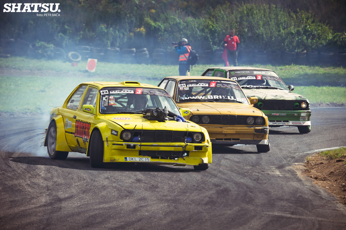 3x bmw e30, drift train,