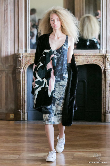 [PFW] Anne Sofie Madsen Ready-To-Wear SS2015 by DailyFashionStyle